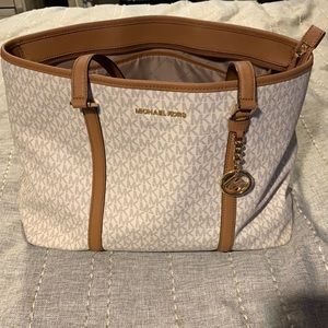 MK Bag - Laptop Sleeve